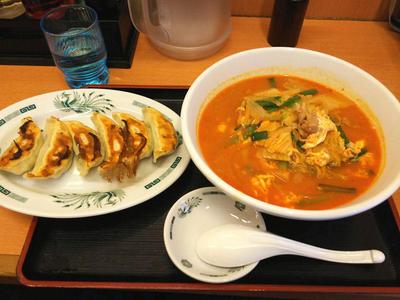 チゲ味噌ラーメンと餃子