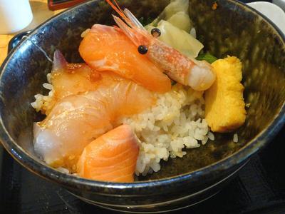 上海鮮丼 残り半分
