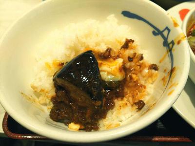 麻婆豆腐 オンザライス