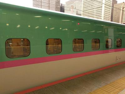新幹線はやぶさ 東京駅