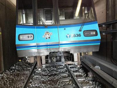 横浜市営地下鉄 脱線
