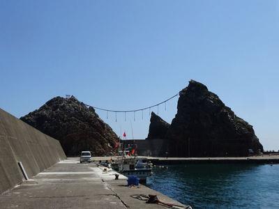 堤防側からの夫婦岩
