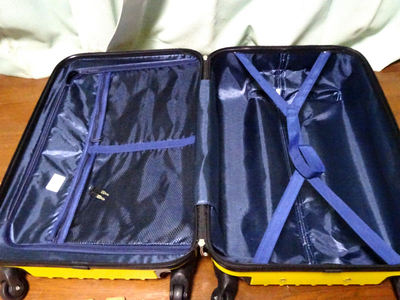 スーツケース 中身