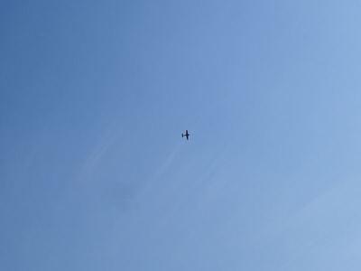 舞う飛行機
