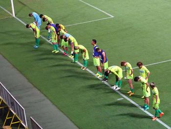 試合終了後の選手たち