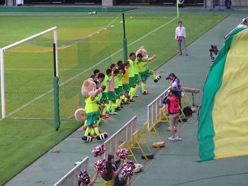 試合後のラインダンス